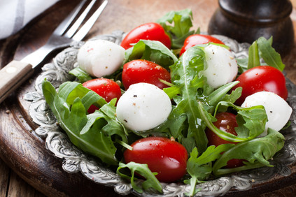 fresh-italian-salad-with-mozzarella-chee