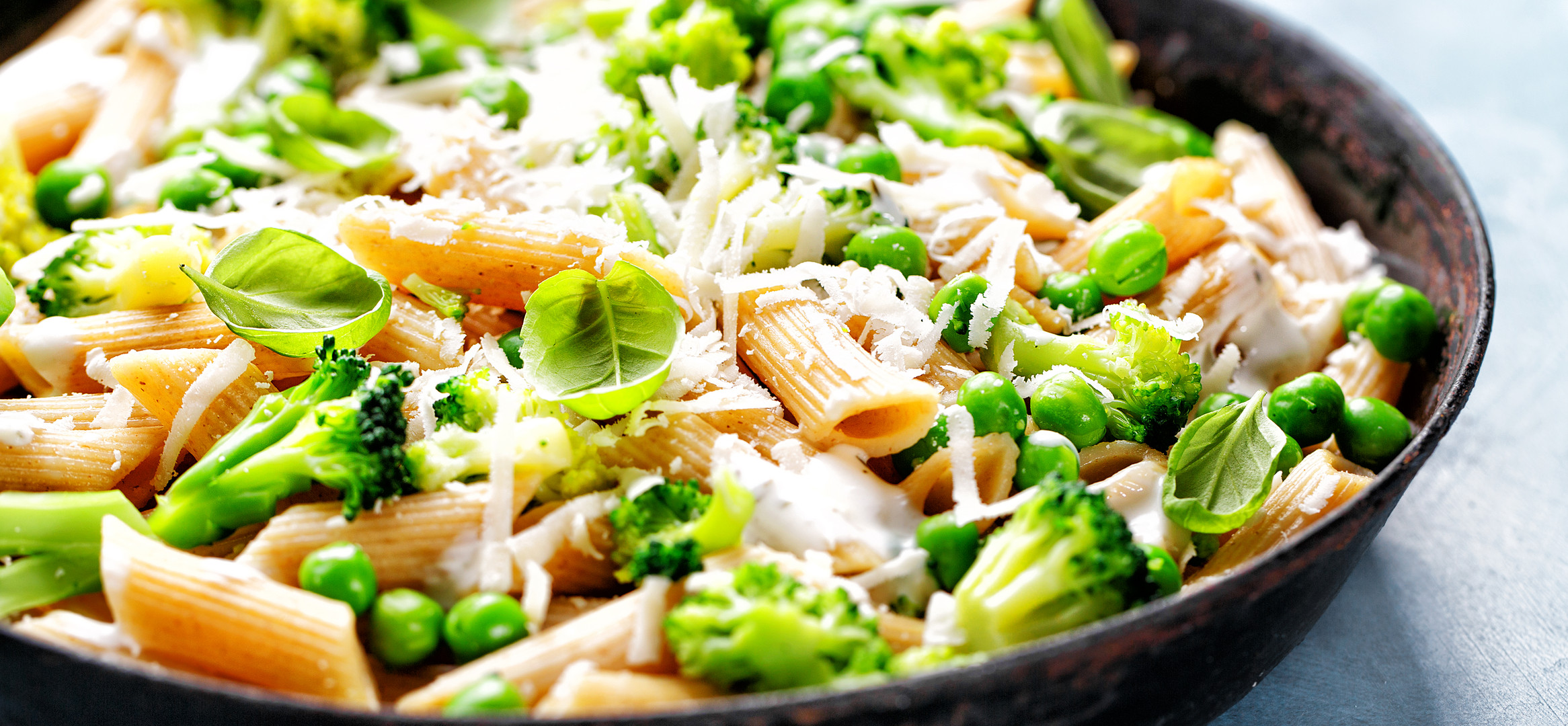 healthy-italian-pasta-with-broccoli-5DR3