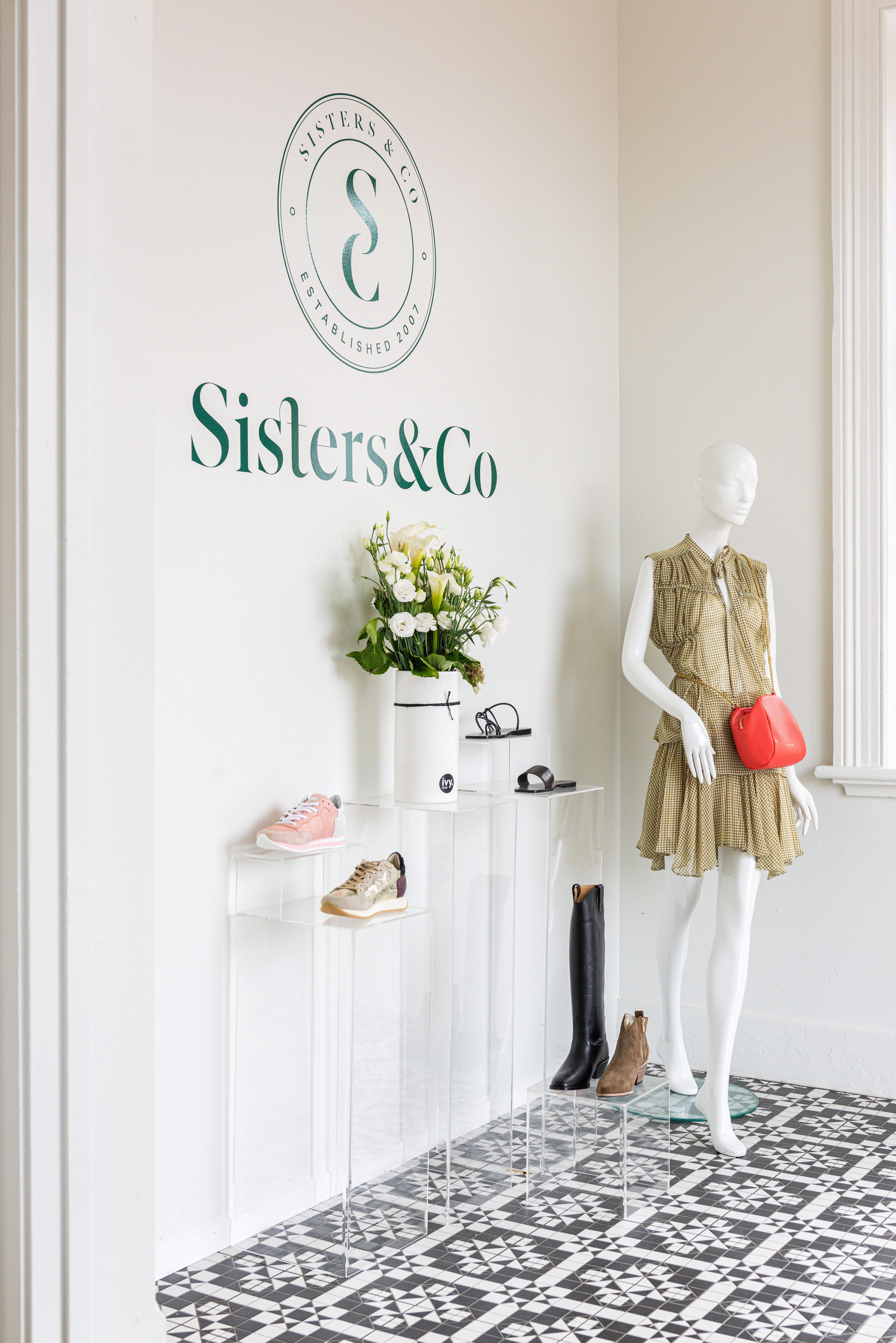 Sisters Cambridge Retail Fitout Inspace