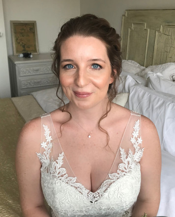Natural Glowing Bridal Makeup Look
