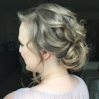 Curly messy bun #hair #weddinghair #boho