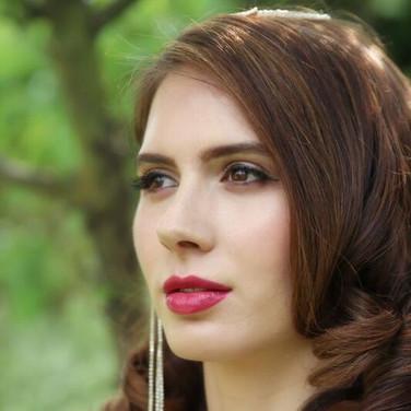 Vintage makeup and hair