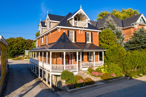 Front view of real estate listing 23 Toronto St South Markdale, Ontario.