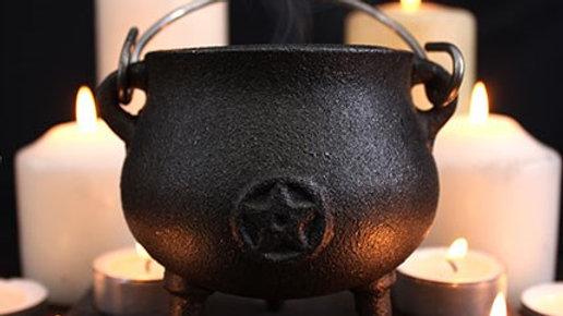 7CM CAST IRON CAULDRONS