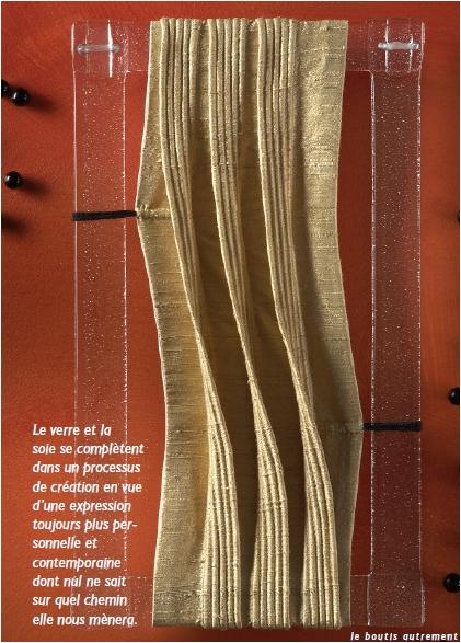 RETOURNEMENT Boutis soie et cadre de verre Fave 20x35 cm Travail du verre V Ognar