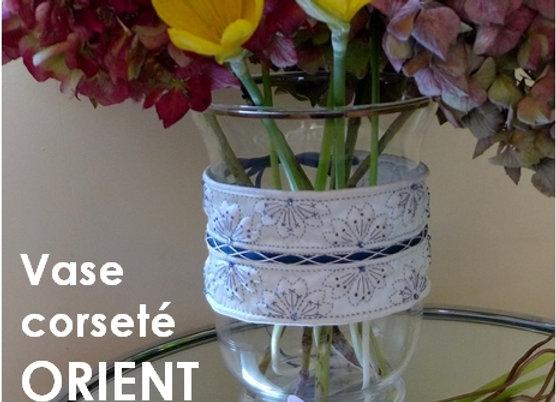 """Livre """"LE BOUTIS SUR SOIE """"  + 1/2 Kit décor de vase ORIENT"""