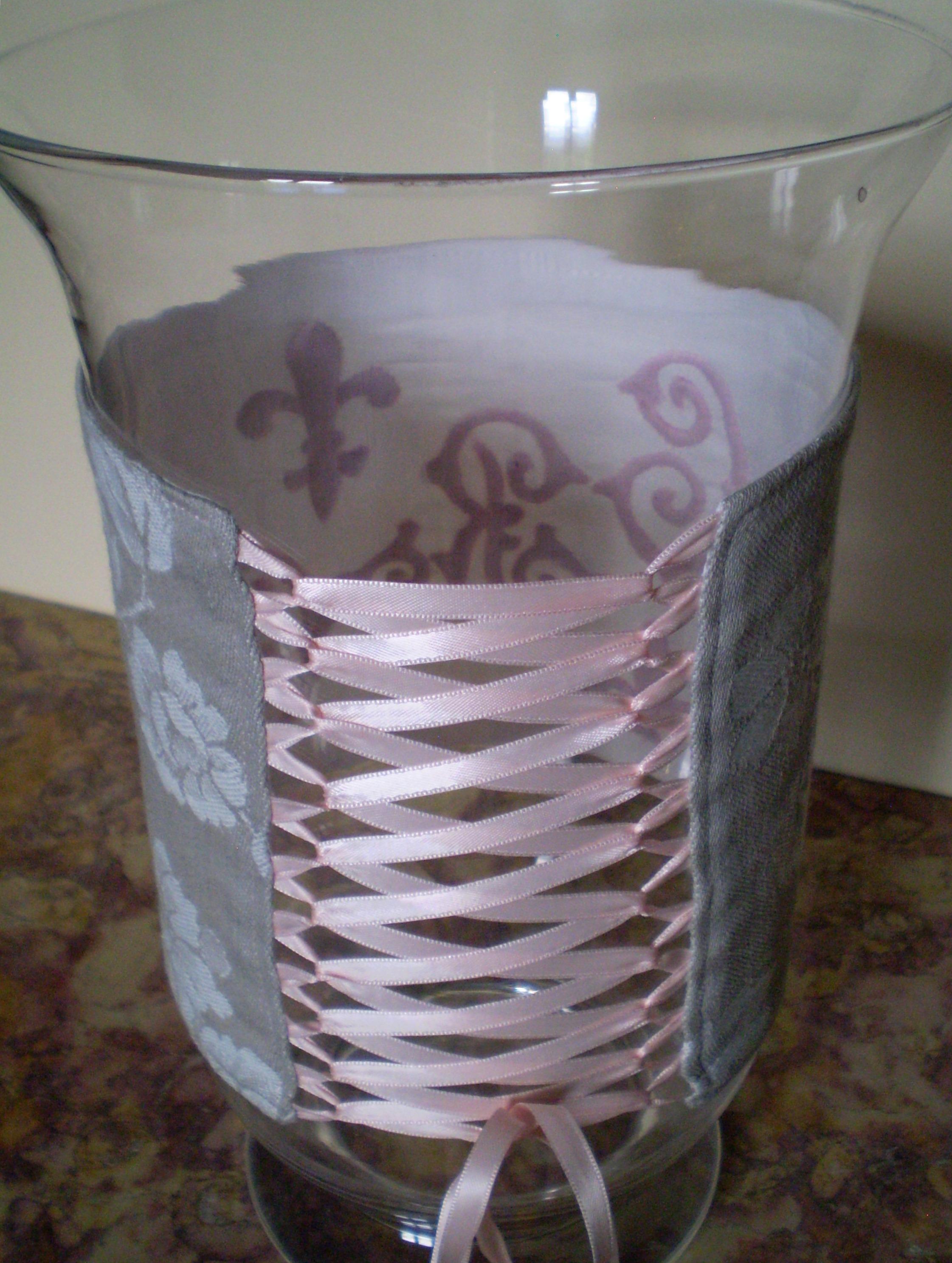Vases décorés de boutis sur soie (2)
