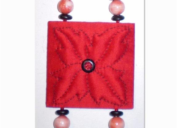 """Fiche Créative collier """"FEUILLES ROUGES"""""""