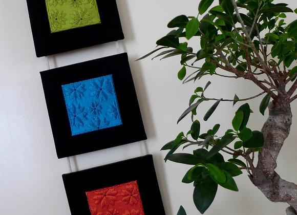 """Livre """"LE BOUTIS SUR SOIE""""  + 1/2 Kit triptyque mural LEI ZU"""