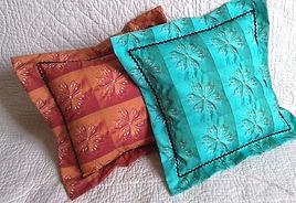 Tissu à fleurs orange ou bleu, vendu en coupons et kits pour coussins et pochons