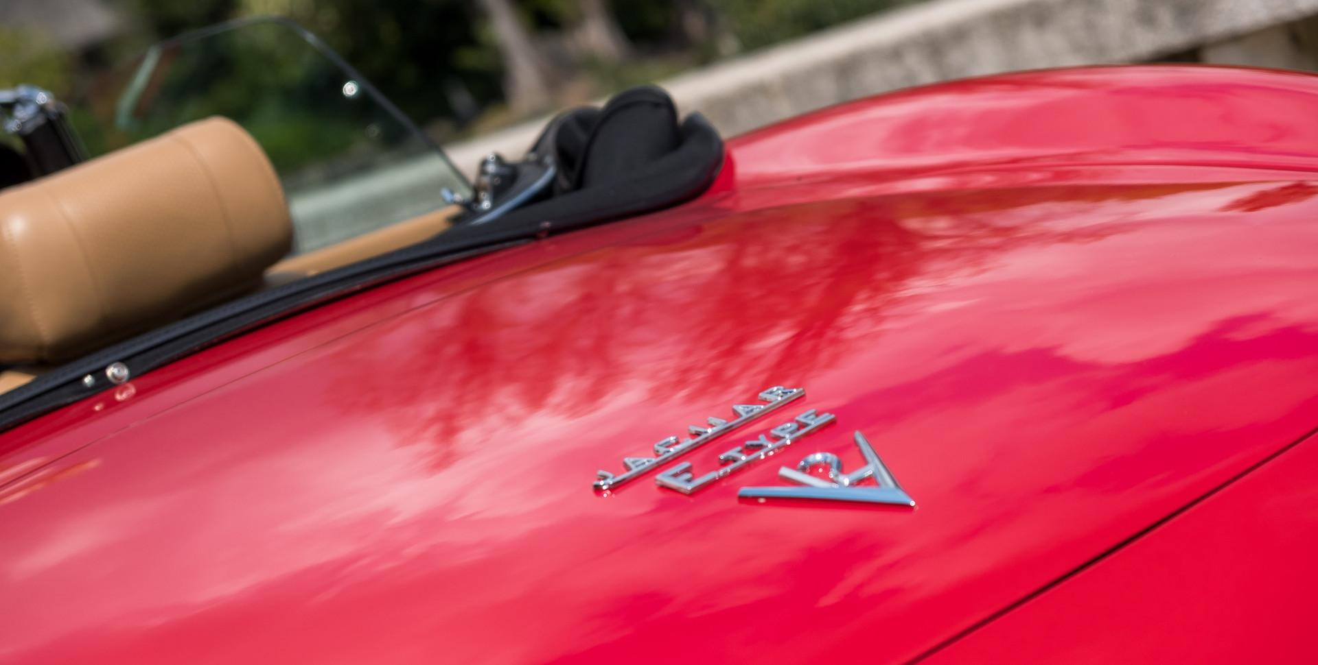 Jaguar E-Type V12 Cabrio Jardim-5.jpg