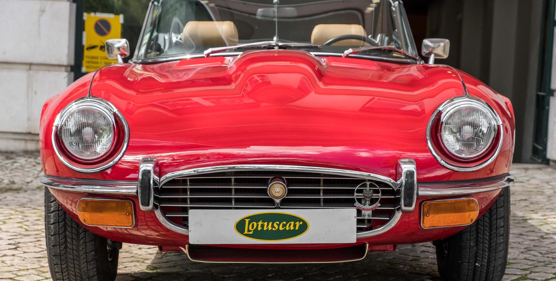Jaguar E-Type V12 Cabrio Stand-16.jpg