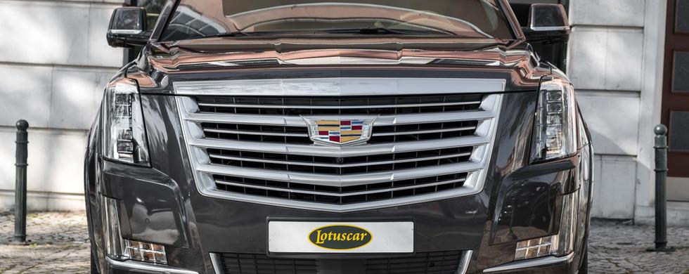 Cadillac Escalade-2.jpg