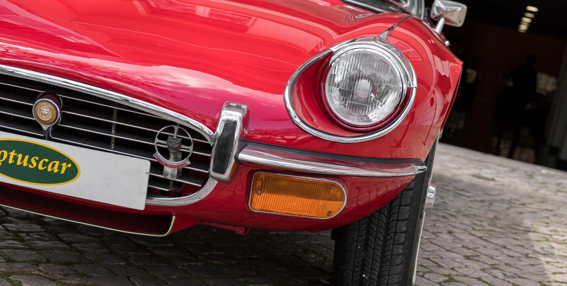 Jaguar E-Type V12 Cabrio Stand-14.jpg