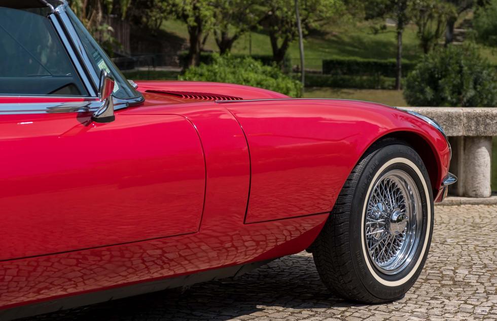 Jaguar E-Type V12 Cabrio Jardim-18.jpg