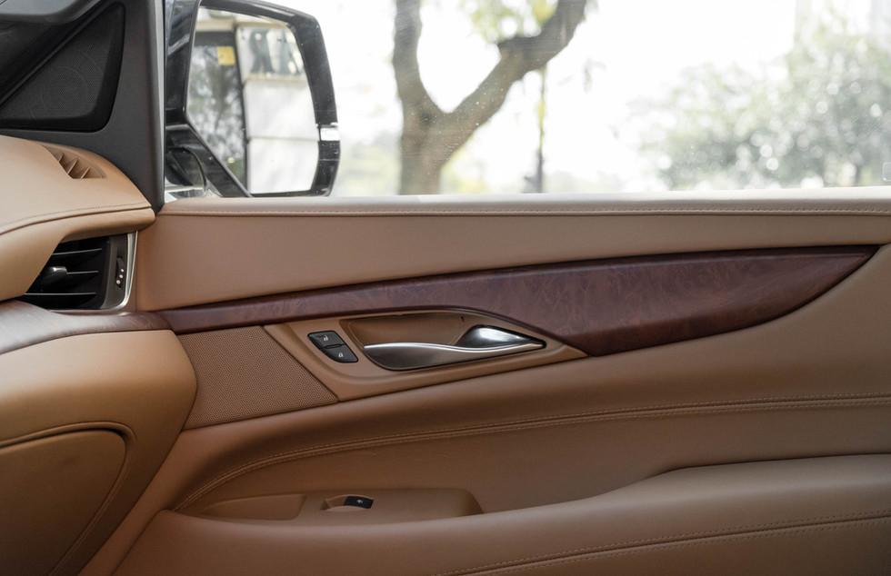 Cadillac Escalade-12.jpg