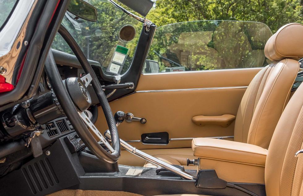 Jaguar E-Type V12 Cabrio Jardim-20.jpg