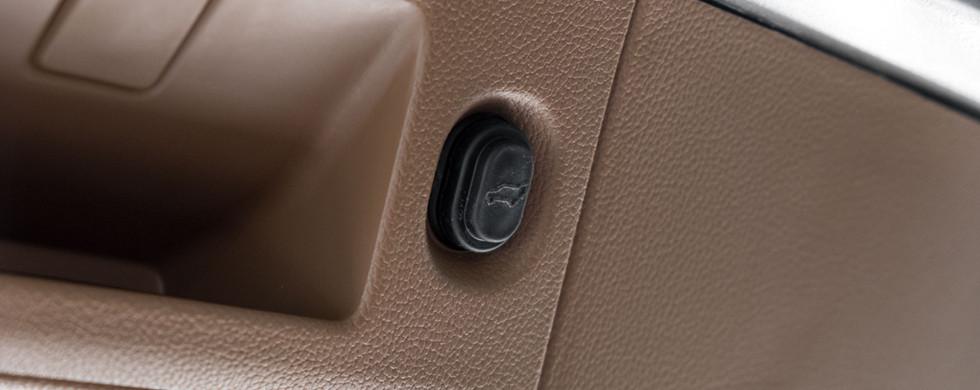 Cadillac Escalade-8.jpg