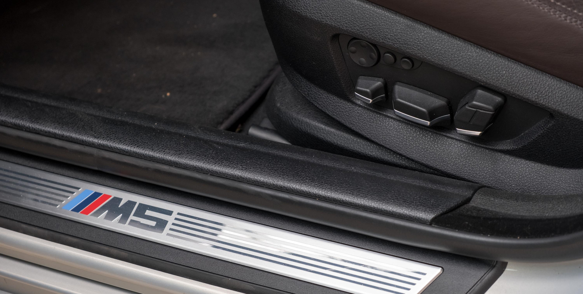BMW M5-12.jpg