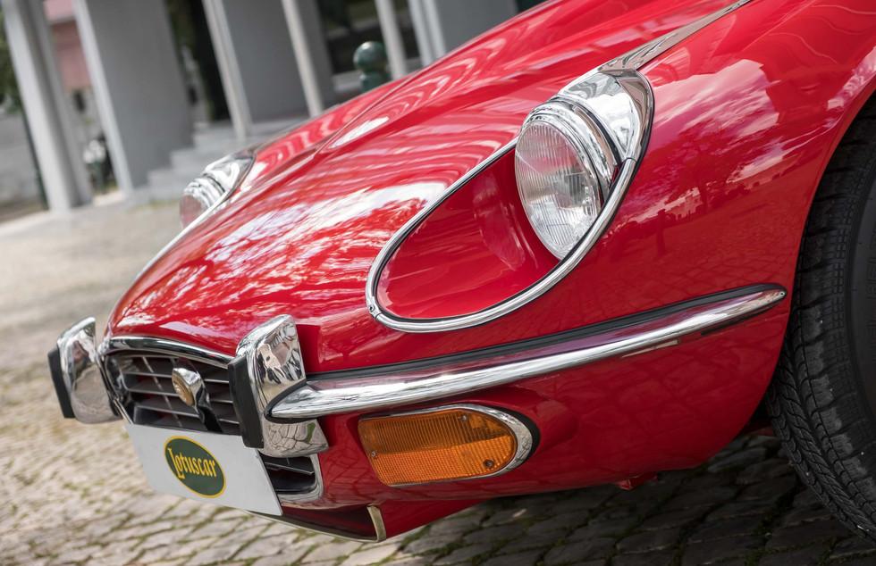 Jaguar E-Type V12 Cabrio Stand-15.jpg
