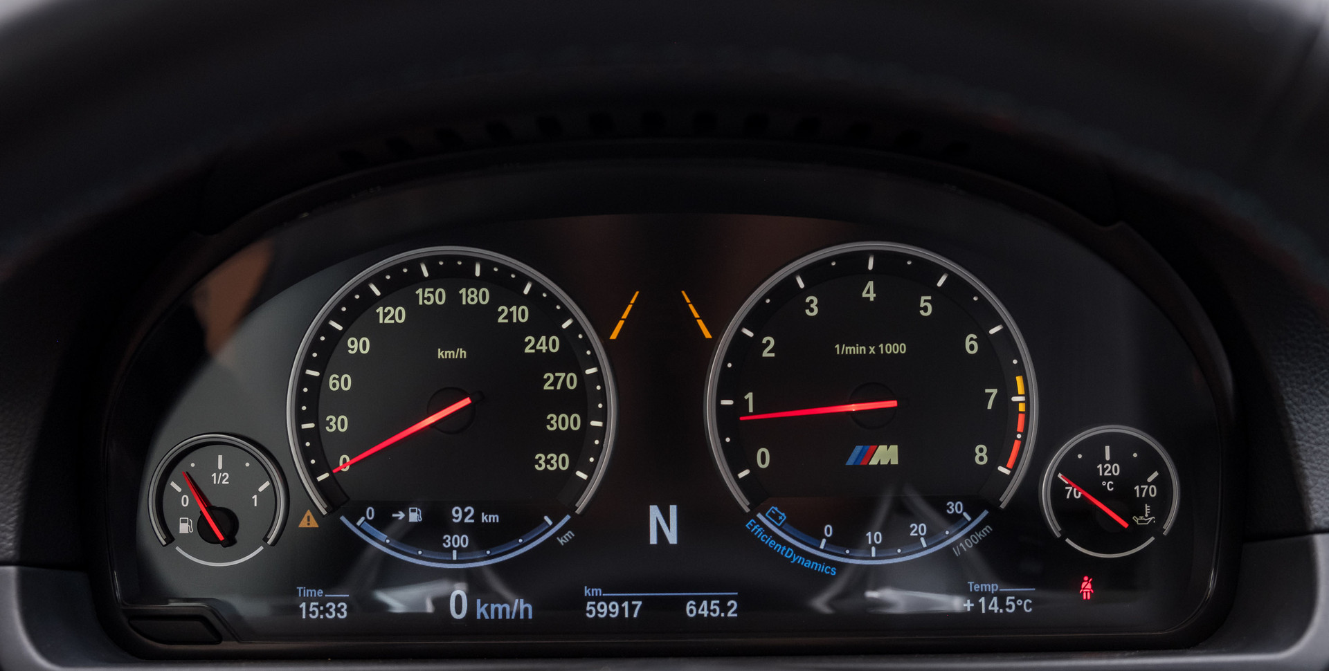 BMW M5-2.jpg