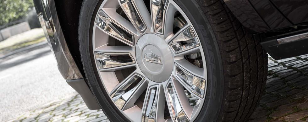 Cadillac Escalade-4.jpg