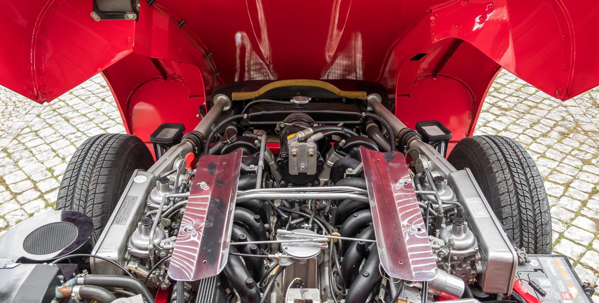 Jaguar E-Type V12 Cabrio Stand-11.jpg
