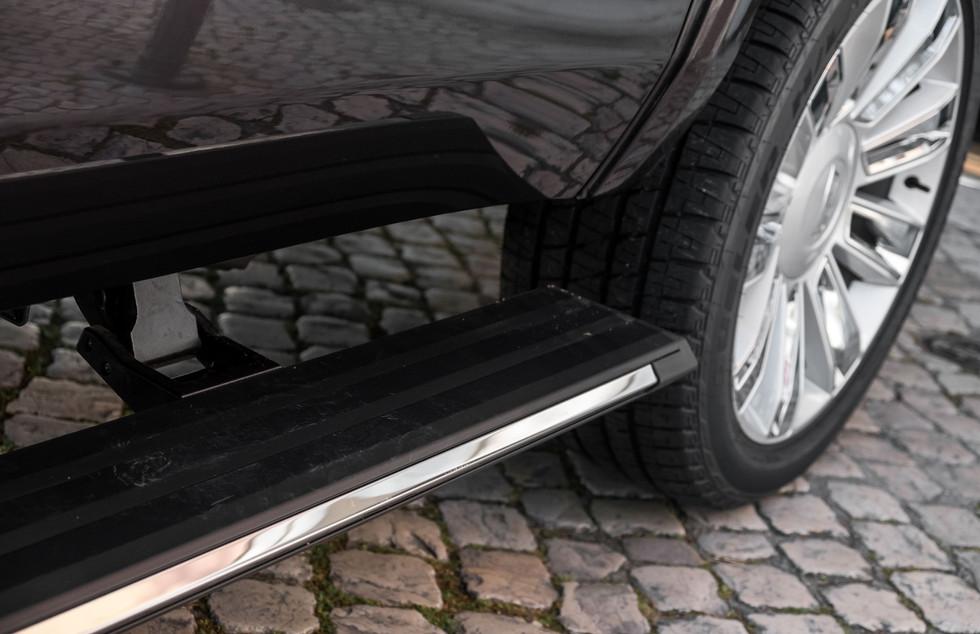 Cadillac Escalade-10.jpg