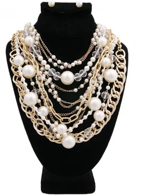 Layered pearl and gold set