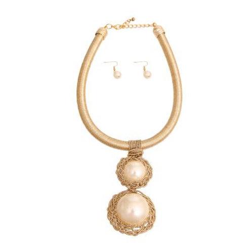 Gold Pearl Pendant Necklace Set