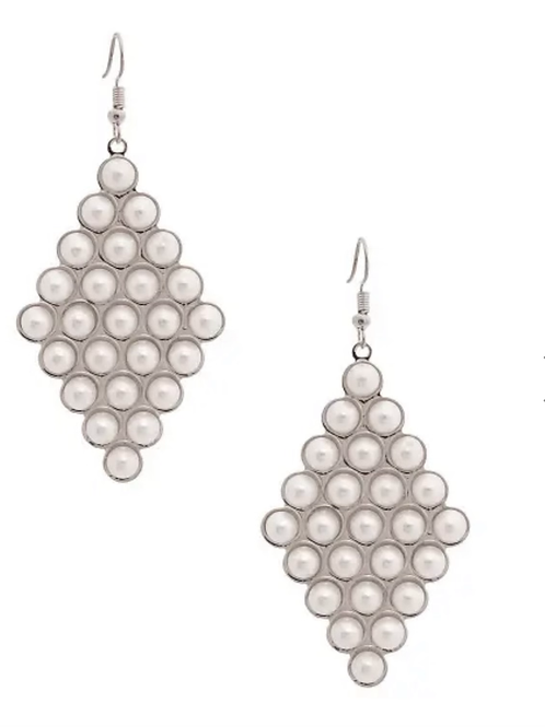 Diamond shaped  pearls