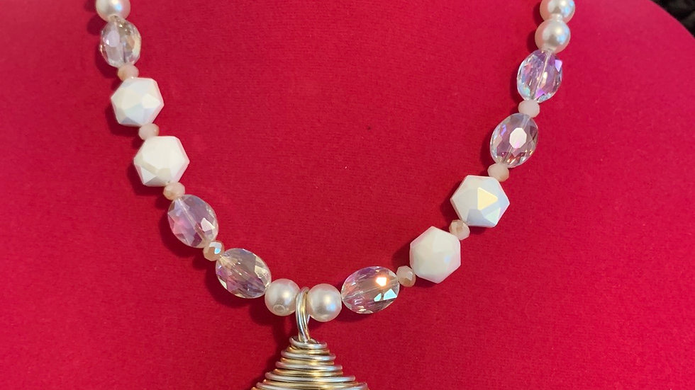 Shelly Pearl Necklace Set