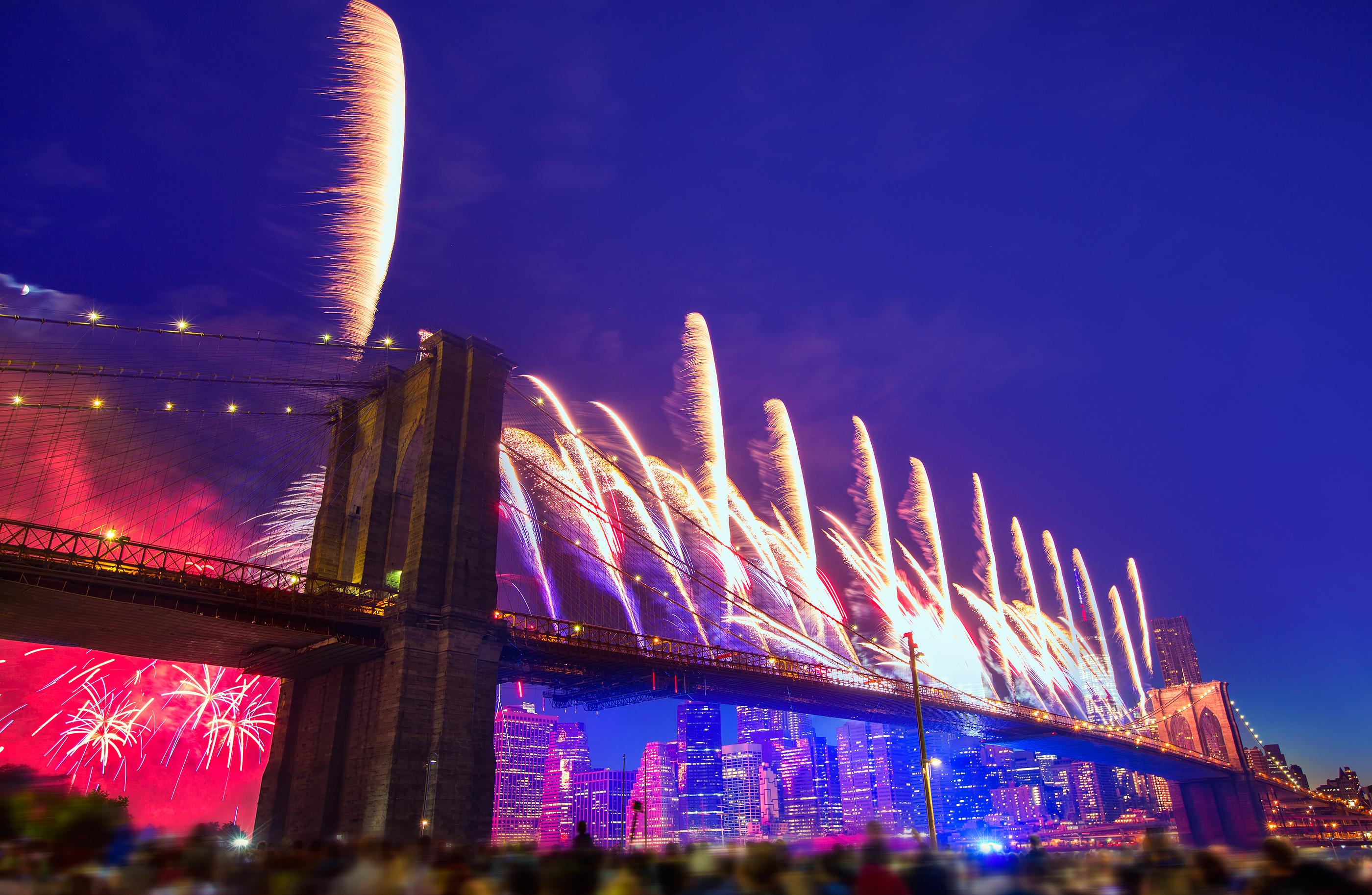 July 4th 2014 fireworks at Brooklyn bridge Manhattan skyline New York USA.jpg