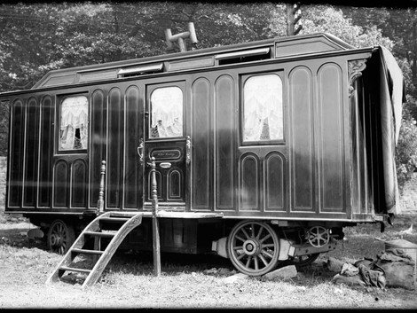 Carnivale:  the Earliest Traveling Campers