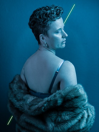 Pelz blau mit Neon.png