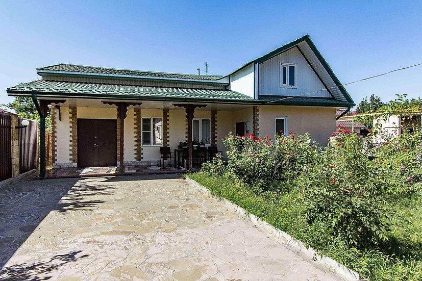Домовладение из 2 домов в районе Тургеневского моста. Приносит пассивный доход.