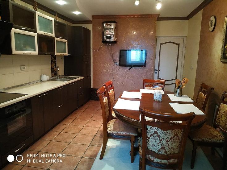 Двухкомнатная квартира с отличным ремонтом и мебелью.