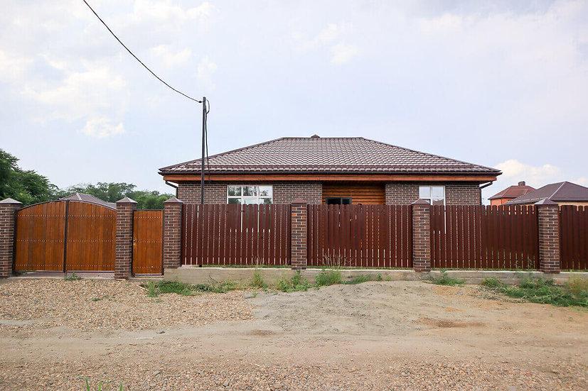 Новый кирпичный дом в Знаменском.