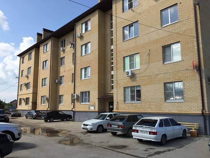 Двухкомнатная квартира с частичным ремонтом в Яблоновском.