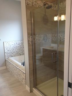 Master Ensuite Walk in Shower & Tub