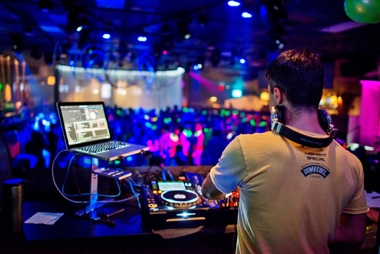 DJ Kitcho 2014 at Pearl Nightclub.jpg