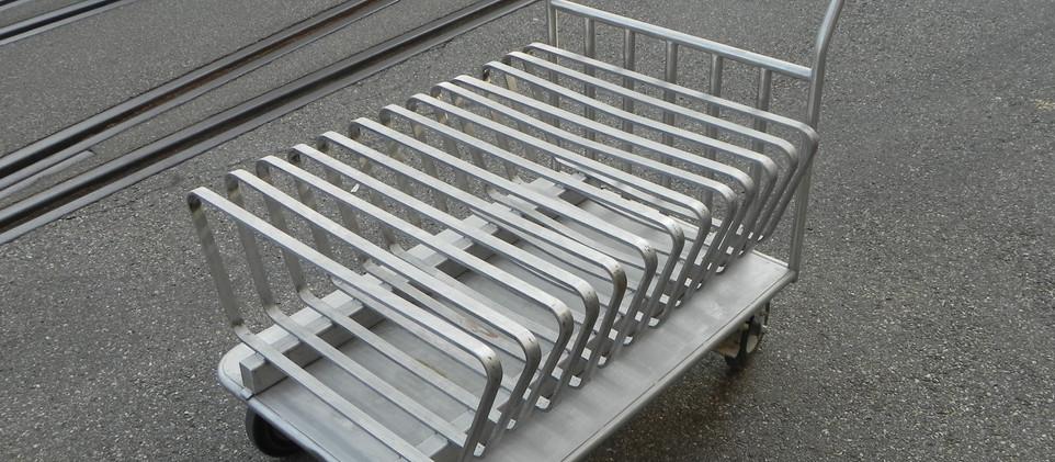 Transportwagen Produktsiebe.JPG