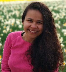 Priscila Profile picture_edited.jpg