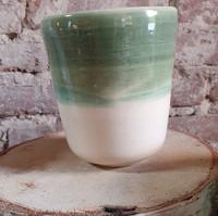 Vase en grès blanc émaillé