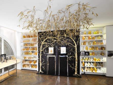 Guerlain - installation boutique des Champs Elysées - Noël 2010