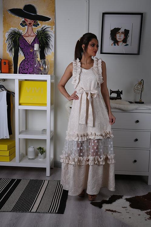 فستان طويل سهرة بتصميم عصري