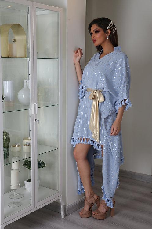 فستان أنيق وعصري بتصميم فريد