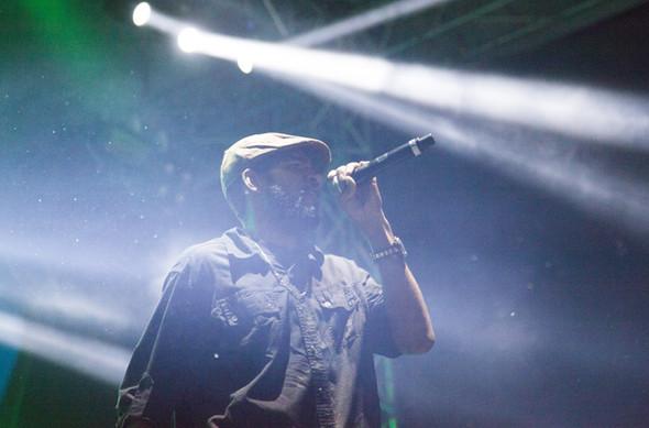Chanteur sur scène