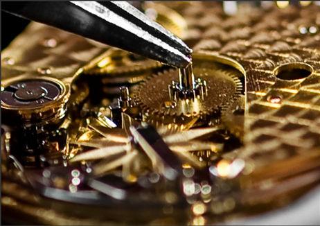 Perfektion und höchste Detailgenauigkeit als Grundlage jedes einzelnen Uhrwerkes. ZEITMANUFAKTUR