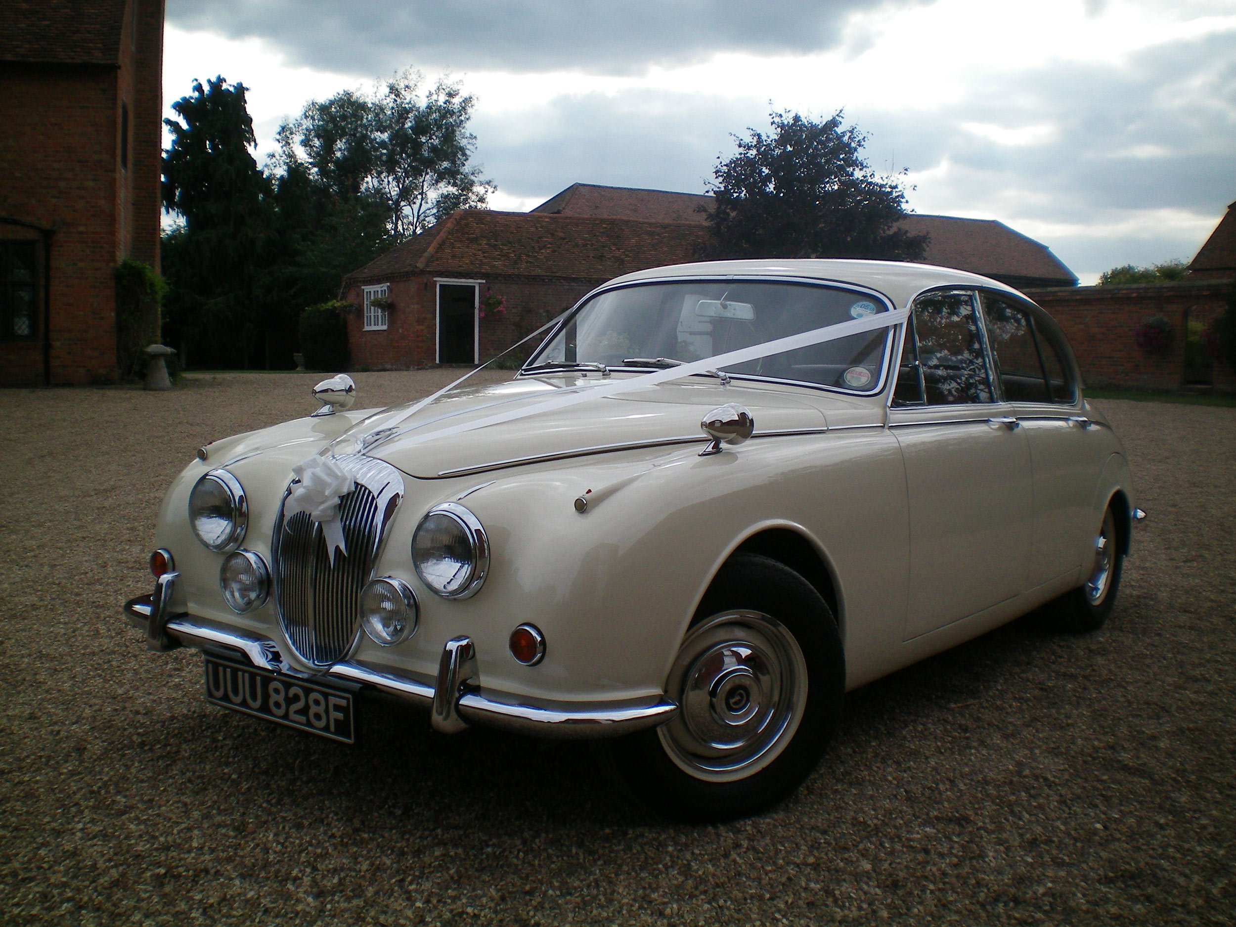 Daimler V8 at Lillibrooke Manor